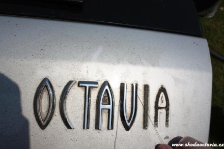 002-Skoda-Octavia.jpg