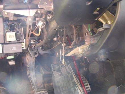 Montaz zesilovace a subwooferu do auta skoda octavia