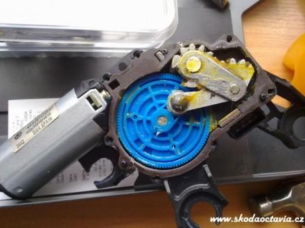 skoda-octavia-motorek-sterace-015.jpg