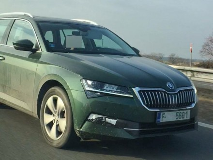 Škoda Superb Facelift 2019 spy photos